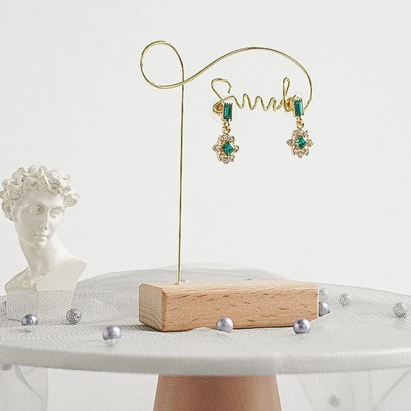 【BlueCat】英文smile金屬飾品收納架 拍照道具 陳列架 耳環 項鍊擺拍 首飾架 展示架 電鍍 金屬