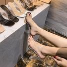 涼鞋女2020夏新款網紅透明一字帶水晶跟中跟高跟粗跟百搭拖鞋小碼【快速出貨】