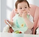 飯兜 可優比寶寶吃飯圍兜嬰兒防水圍嘴食飯兜喂兒童小孩硅膠超軟口水兜 618狂歡