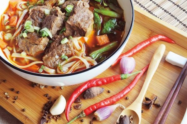 饌香雙味牛肉麵2入組(麵200g、牛肉100g各2)