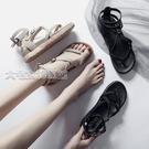 厚底涼鞋新款百搭一字扣夾腳涼鞋女夏季厚底鬆糕鞋仙女學生平底羅馬鞋 快速出貨