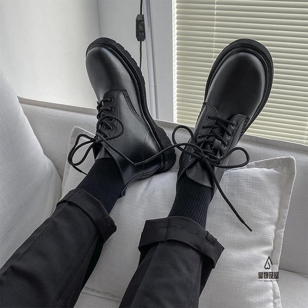 馬丁靴男高幫英倫風真皮工裝黑色皮鞋情侶款中幫機車靴【愛物及屋】