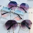 網紅款墨鏡女街拍個性韓版潮錬條眼鏡大臉圓臉ins太陽鏡防紫外線 黛尼時尚精品