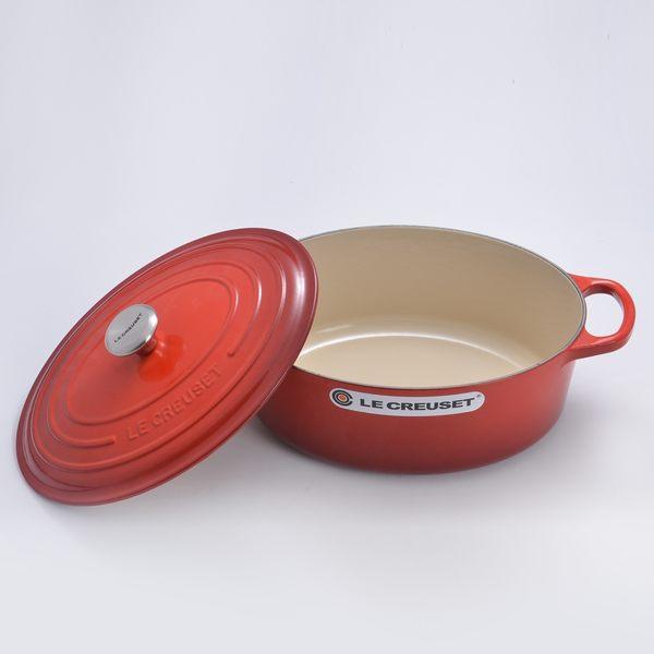 Le Creuset 新款橢圓形琺瑯鑄鐵鍋 25cm 3.2L 櫻桃紅 法國製【Casa More美學生活】