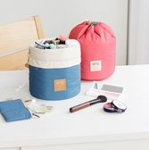 【Love Shop】韓版桶式洗漱包 旅行化妝品收納包 防水旅行袋 登機包 旅行包 飛機包化妝包束口袋