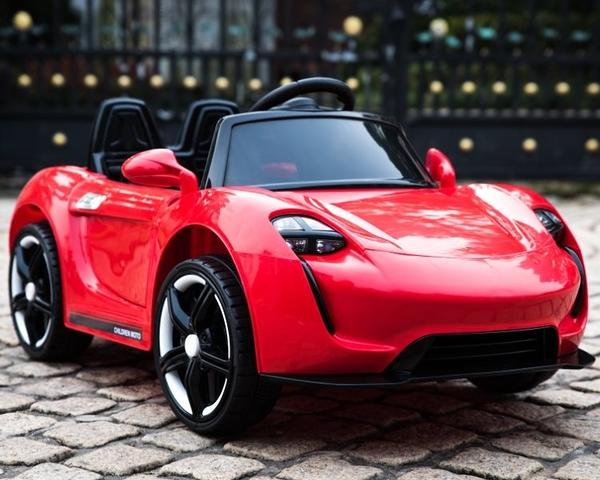 幼之圓*最新款~保時捷款遙控電動童車~雙驅雙電+2.4G智能遙控+搖擺功能~豪華皮椅版~