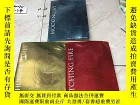 二手書博民逛書店英文原版:The罕見Hunger Games Trilogy Box Set Foil Edition 全3冊
