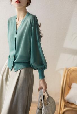 針織短T冰絲涼感上衣~輕薄透氣V領針織衫開衫DC110B衣時尚