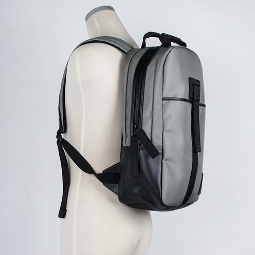 Calvin Klein CK素面尼龍休閒旅遊後背包(灰色)103327-1