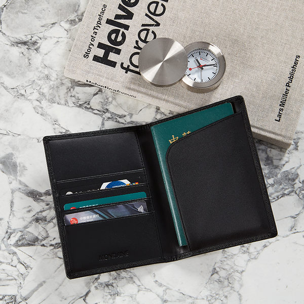 MONDAINE 瑞士國鐵 極簡護照夾+多功能磁性筆組