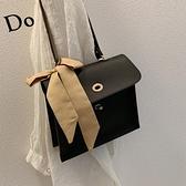 郵差包高級感包包大包包女新款潮韓版百搭質感斜背包簡約時尚郵差包  迷你屋 新品