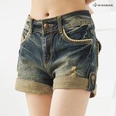 短褲--春夏定番粗邊口袋水波痕刷破反折中腰牛仔短褲(S-7L)-R24眼圈熊中大尺碼◎