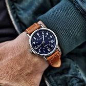 TIMEX 天美時 / TXTW2R42500 / 美國指標型男復古簡約夜光真皮手錶 深藍x駝 40mm