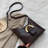 復古高級感包包女潮秋冬新款百搭時尚大氣側背容量水桶斜背包 聖誕交換禮物