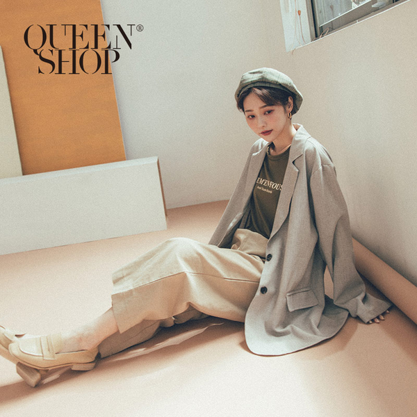 Queen Shop【02030348】排釦造型花紗西裝外套 兩色售*現+預*