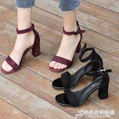 一子扣涼鞋 涼鞋女夏新款中跟粗跟黑色學生百搭露趾一字扣帶羅馬高跟鞋女 時尚芭莎