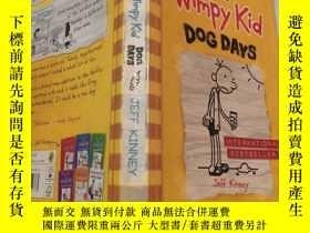 二手書博民逛書店diary罕見of a wimpy kid dog days 一個懦弱的孩子的日記Y200392 不祥 不祥