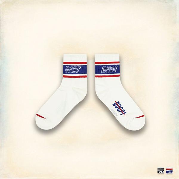 Melek 襪子類 (共2色)【P08161227-0125~26】女中筒DAB線條款 韓國棉襪/舒適棉襪