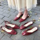 復古方頭蝴蝶結粗跟涼鞋chic一字扣紅色涼鞋女    蘑菇屋小街