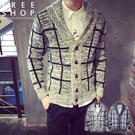 Free Shop韓版高質感加厚款格紋混色木質排扣休閒修身版型V領翻領針織衫毛衣罩衫外套【QTJ16208】