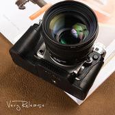 尼康DF 皮套 相機包 手柄 底座 半套 攝影包 相機皮套  魔法鞋櫃  igo