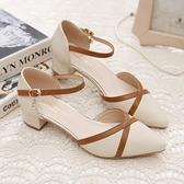 涼鞋 包頭涼鞋女新款春夏季一字扣粗跟中跟百搭拼色韓版尖頭單鞋女