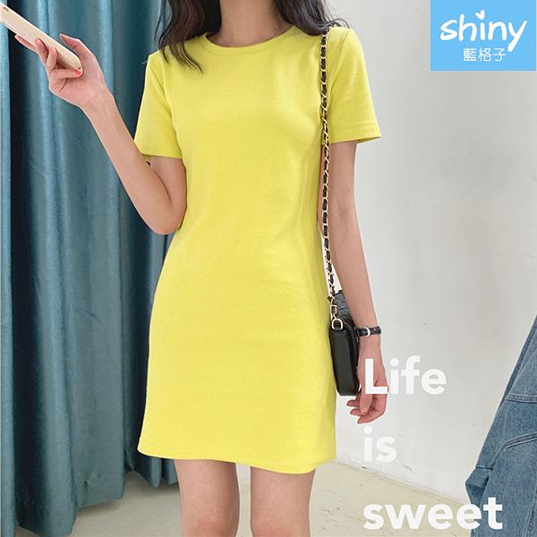 【V9373】shiny藍格子-休閒搭風.純色圓領短袖連身裙