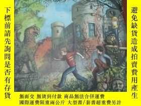 二手書博民逛書店THE罕見WATER CASTLE(水城堡 英文版)Y6605