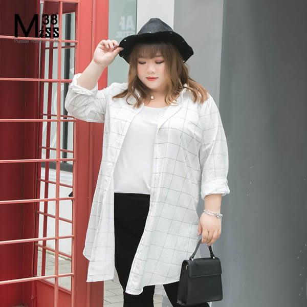 Miss38-(現貨)【A07301】大尺碼襯衫 時尚白黑格子 中長版 長袖 上衣 純棉襯衫-中大尺碼