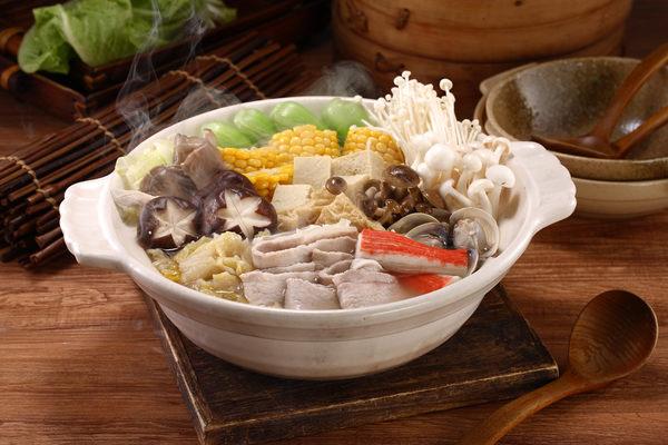 『 喜憨兒愛點心 』 酸菜白肉鍋