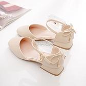 涼鞋 包頭涼鞋女夏季百搭一字扣方頭粗跟中跟仙女風單鞋年新款工作 快速出貨