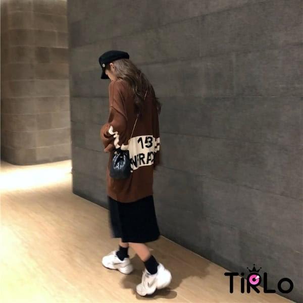 針織衫 -Tirlo-韓版寬鬆後英字針織上衣-三色(現+追加預計5-7工作天出貨)