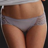 華歌爾-豪華蕾絲M-LL中低腰三角褲(紫芋)QS6103KM未購滿3件以上恕無法出貨