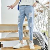 牛仔褲男寬鬆韓版潮流寬鬆春款潮牌淺藍破洞九分小腳休閒褲子夏季  降價兩天
