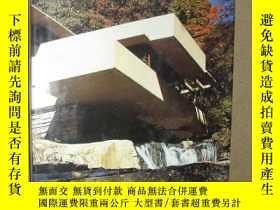 二手書博民逛書店英日文原版罕見Frank Lloyd Wright Fallin