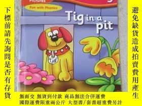 二手書博民逛書店Tig罕見in a pit(Words and Pictures