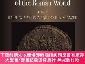 二手書博民逛書店Romans,罕見Barbarians, And The Transformation Of The Roman