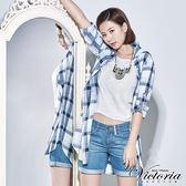 Victoria 格紋長袖長版襯衫-女-白底藍格