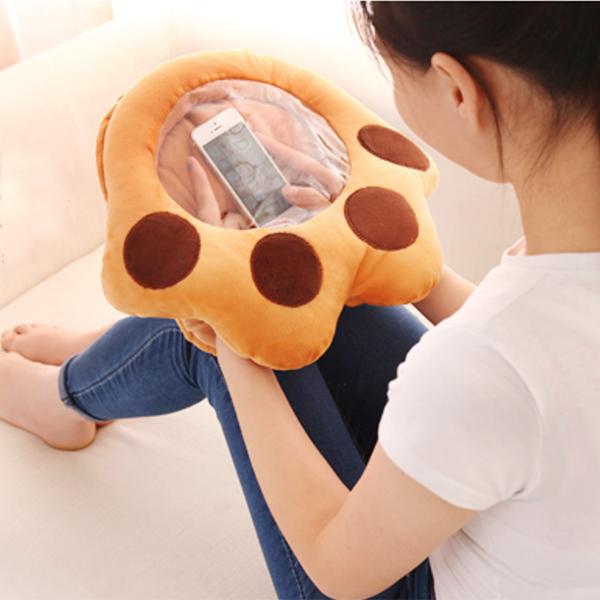 【BlueCat】大熊掌透視窗滑手機暖手枕 午睡枕 抱枕 暖手寶