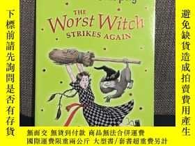 二手書博民逛書店The罕見Worst Witch STRIKES AGAINY2