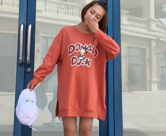 *魔法之城*ET9261網路熱賣爆款休閒寬鬆唐老鴨字母套頭圓領T恤