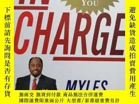 二手書博民逛書店IN罕見CHARGE:FINDING THE LEADER WI