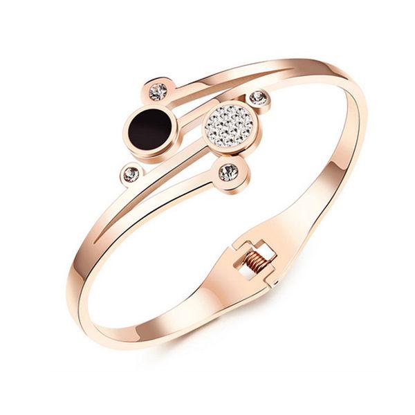 【5折超值價】 情人節禮物最新款時尚精美特色鑲鑽皓石造型女款鈦鋼手環