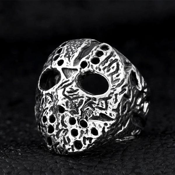 《 QBOX 》FASHION 飾品【RBR8-192】精緻個性刻痕傑森面具鑄造鈦鋼戒指/戒環