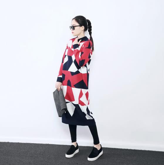 針織洋裝 獨特風格撞色亮眼幾何針織連身裙 艾爾莎【TAE4233】