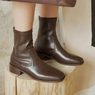 真皮女鞋34-40 2020新款優雅顯瘦百搭頭層牛皮方頭中跟馬丁靴 短靴子 ~2色