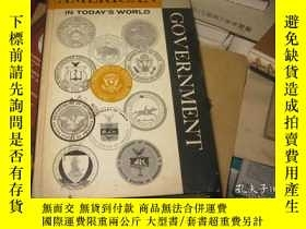二手書博民逛書店AMERICAN罕見GOVERNMENT IN TODAY,S