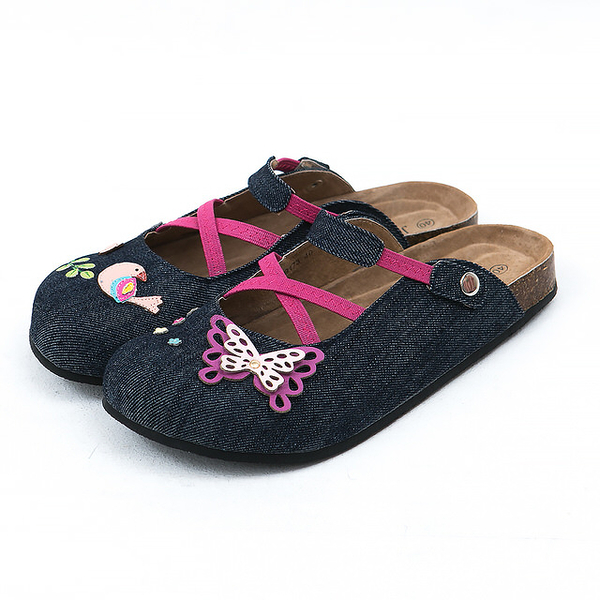【Jingle】夢幻蝴蝶花園前包後空軟木休閒鞋(牛仔藍大人款)