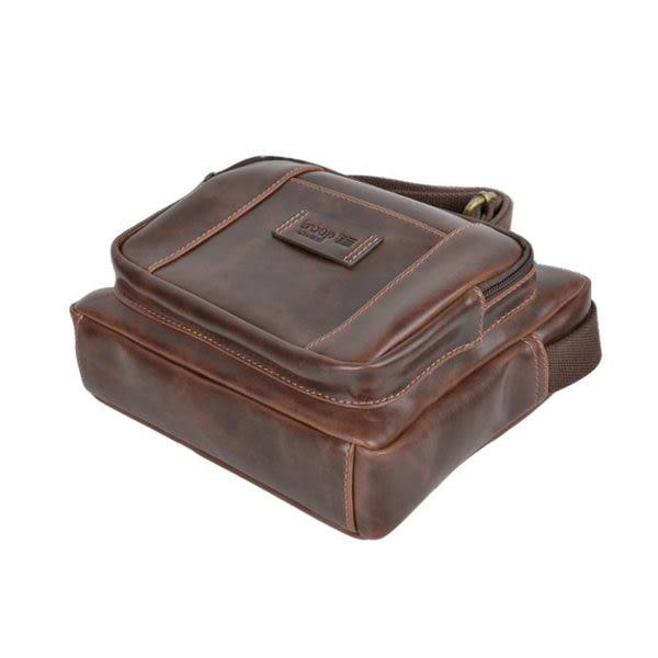 TROOP 英國 經典新風格FAUX LEATHER斜背包 皮革包 巧克力色 /TLL007DB