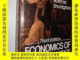 二手書博民逛書店Economics罕見of Development 英文原版精裝